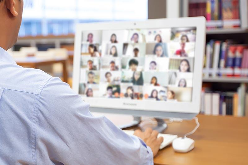 here - 越境学習をオンラインで。